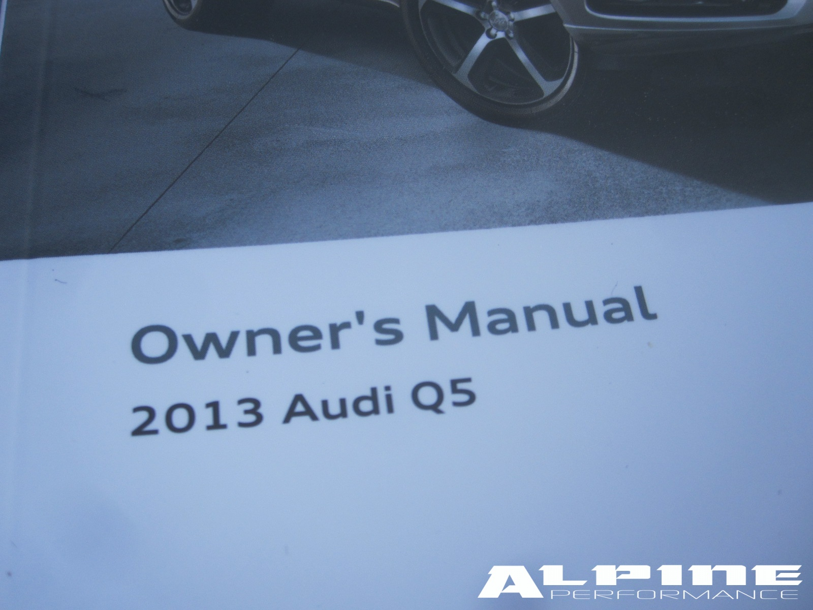 origianal audi q5 owners manual set books case manuals guide owner rh alpinediscountparts com audi q5 owners manual 2014 audi q5 owners manual 2018