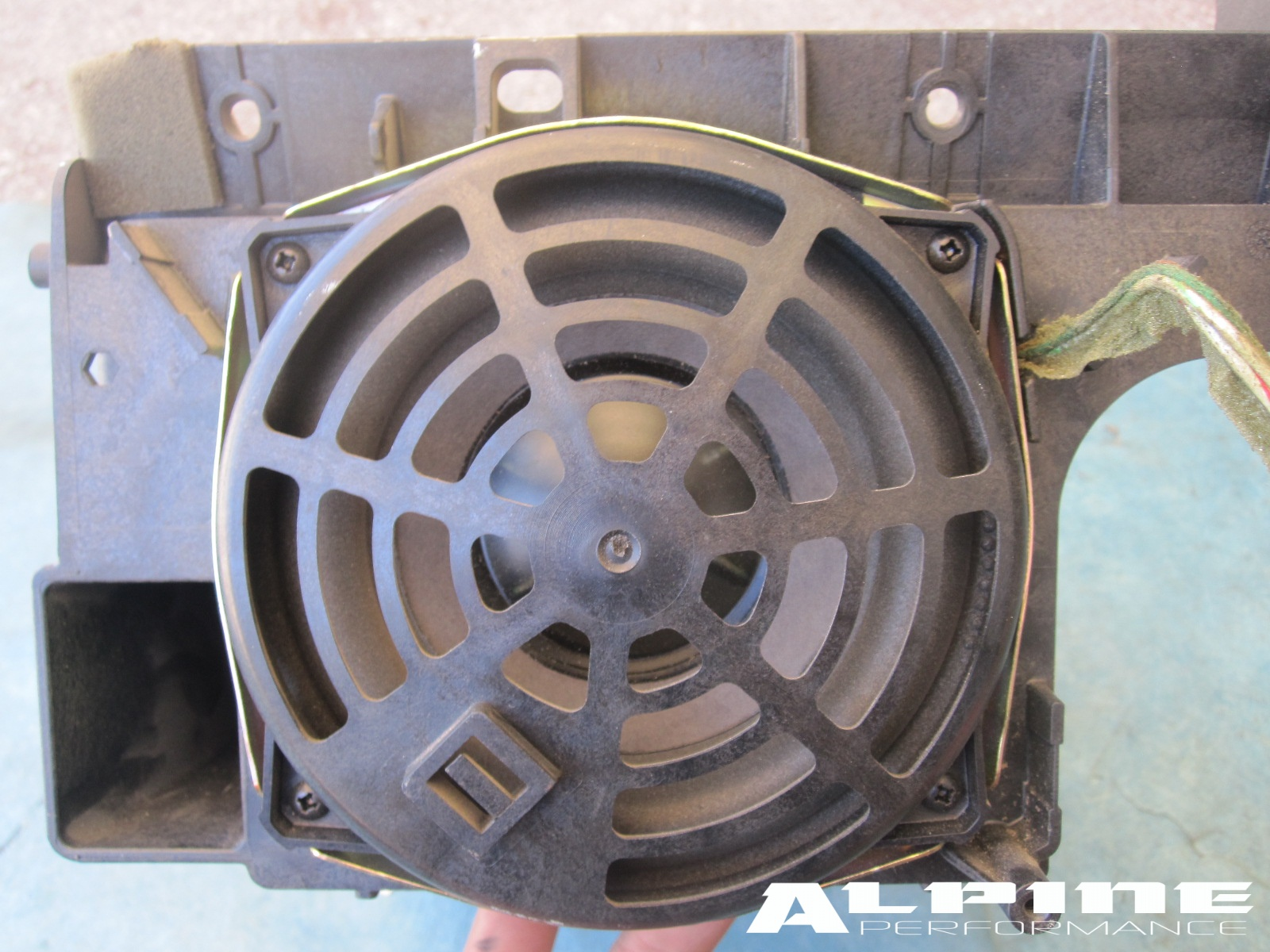 Toyota Parts Store >> Origianal GMC Yukon Denali Chevy Silverado Tahoe Sierra Center Console Factory Bose Subwoofer ...