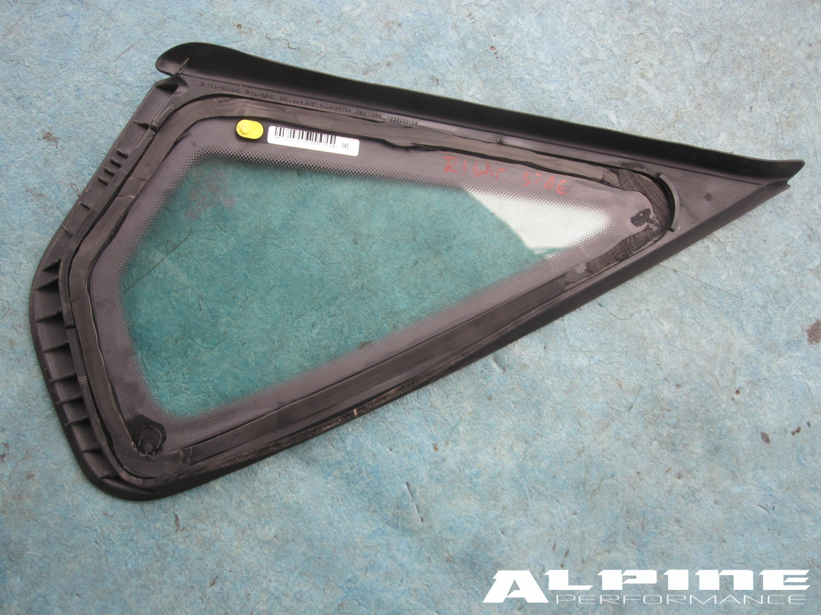 Origianal OEM PASSAT REAR RIGHT SIDE QUARTER PANEL TRIANGULAR WINDOW GLASS - OEM parts