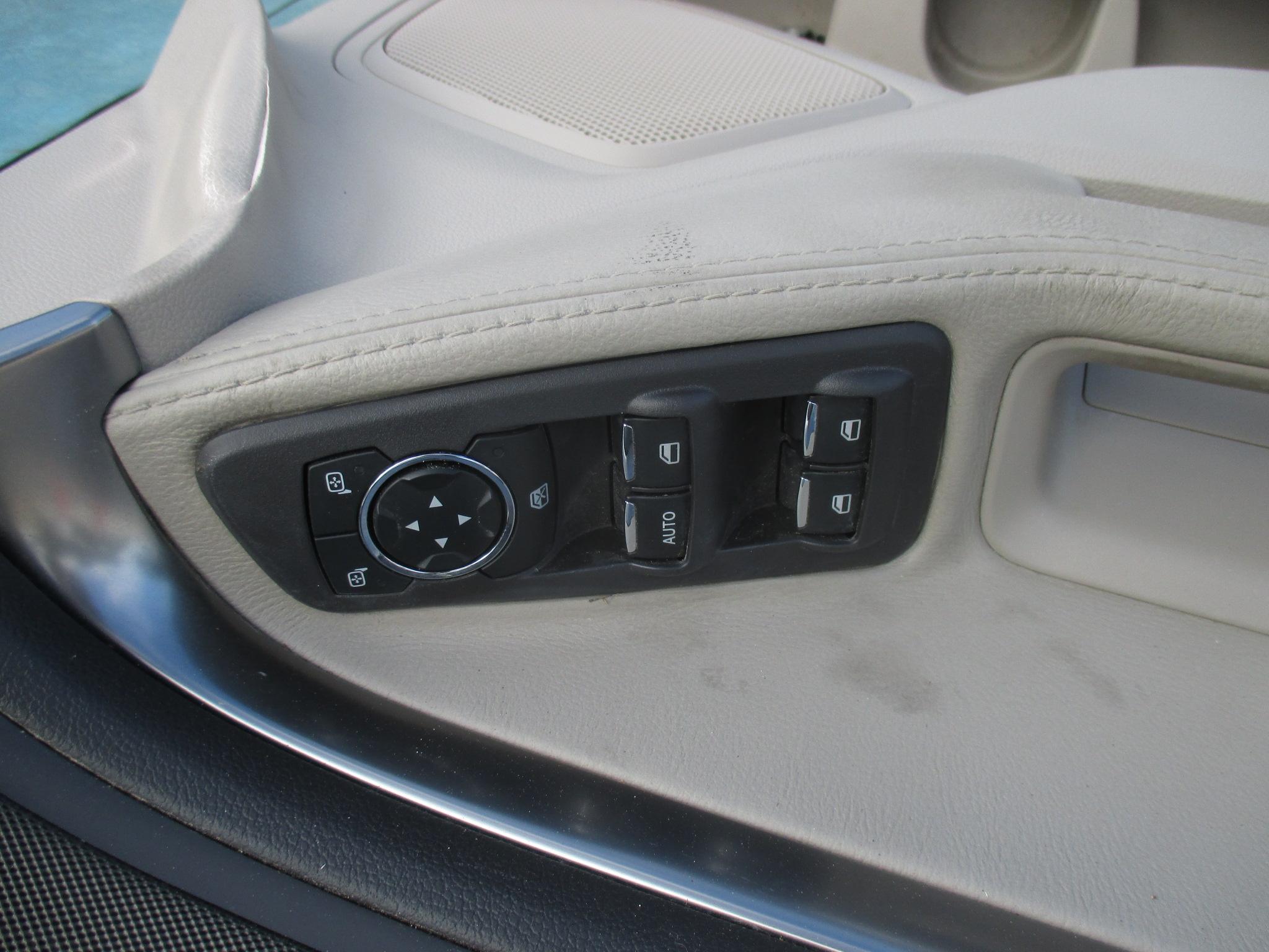 Origianal Ford Explorer Left Driver Front Door Panel Oem