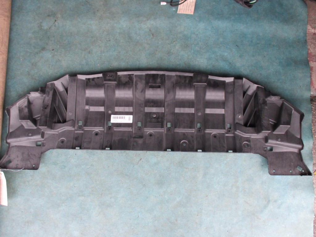 Origianal Ford Focus front belly pan engine splash shield guard undertray - OEM parts