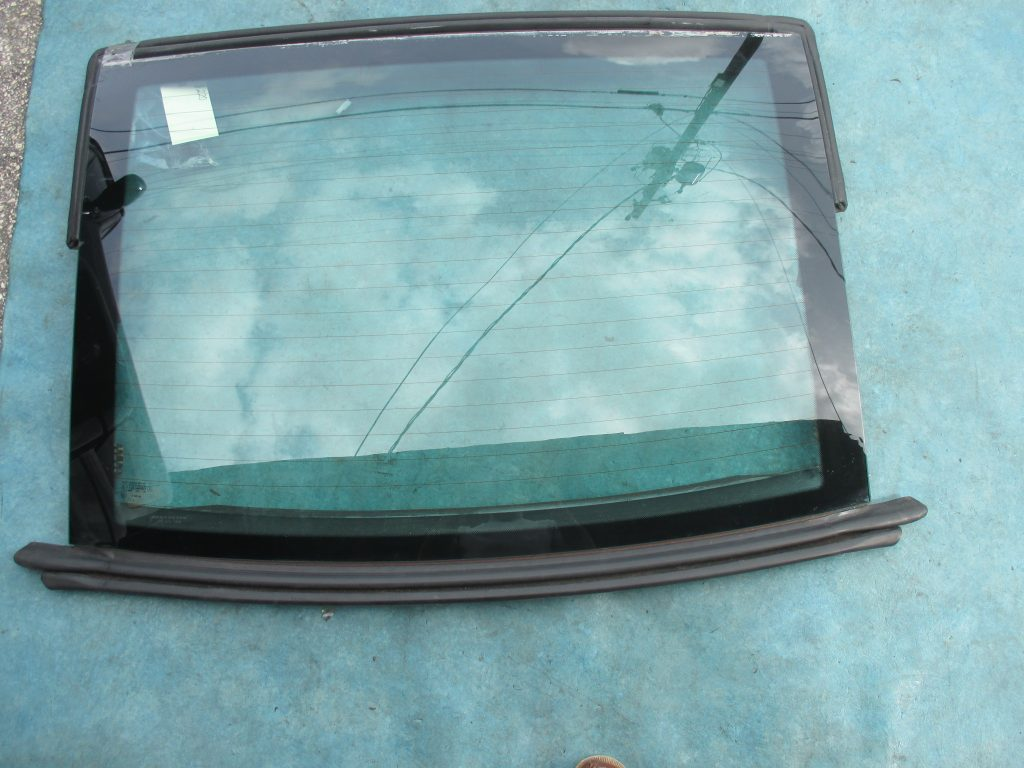Origianal Mercedes Benz SL500 Sl55 Sl550 rear window back glass - OEM parts