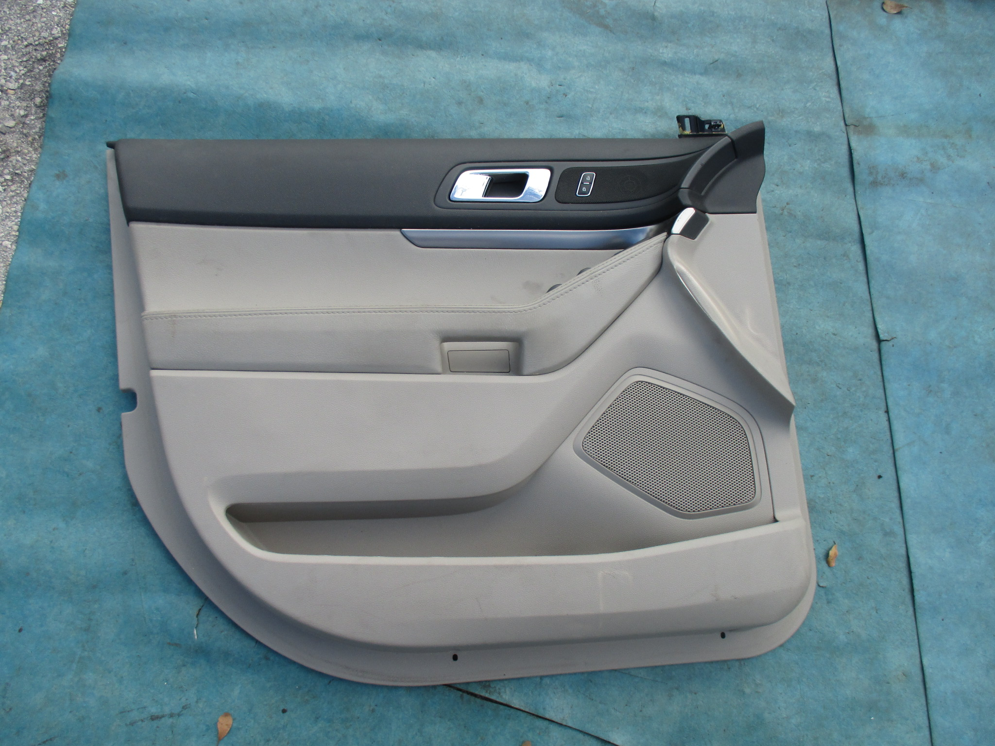 Origianal Ford Explorer Left Driver Front Door Panel Oem Parts