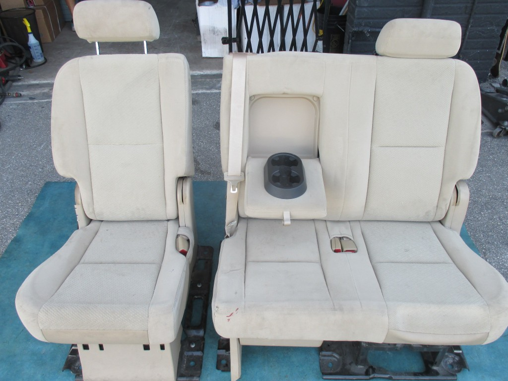 Magnificent Chevrolet Tahoe Gmc Yukon 2Nd Second Row Split 60 40 Bench Seat Beige Cloth 3674 3675 Andrewgaddart Wooden Chair Designs For Living Room Andrewgaddartcom