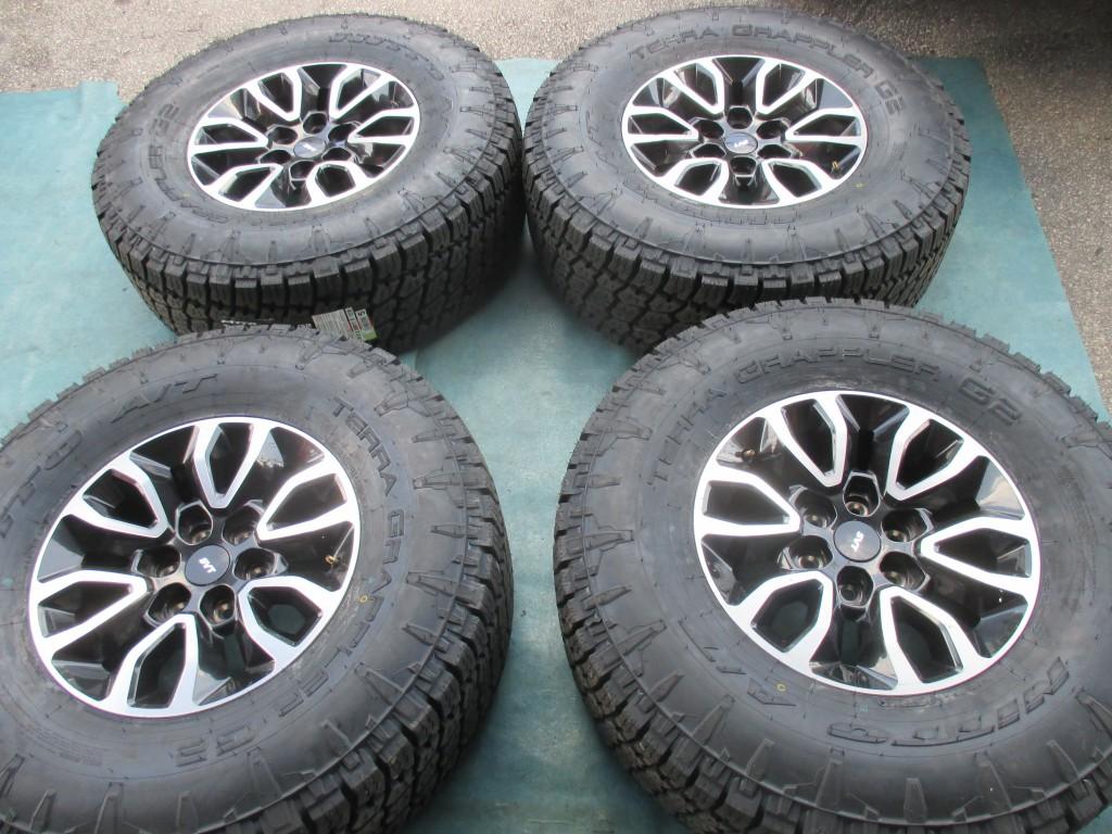 "2005 Ford F150 Lariat >> Origianal 17"" Ford F150 Raptor wheels rims tires - OEM parts"